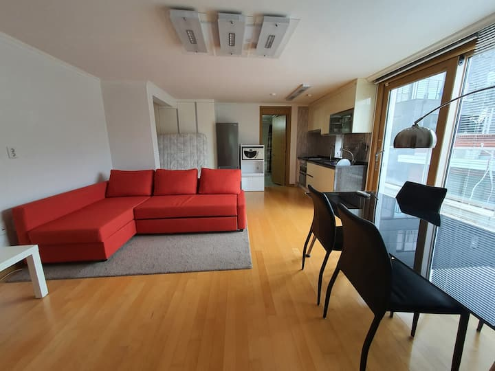 Mod. spacious apt., great for digital nomads