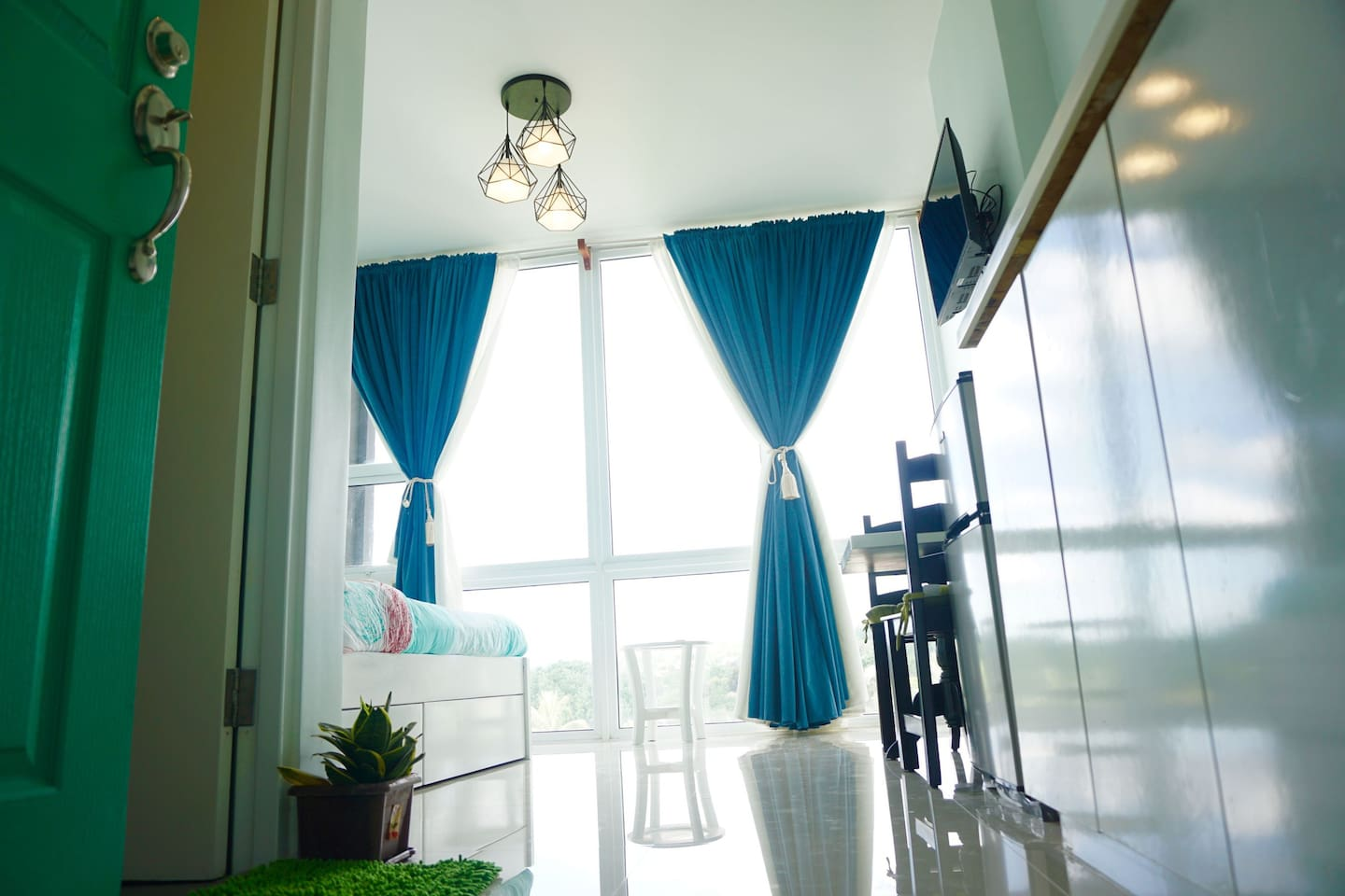 Long and dark curtains to let you have a 'good night sleep' feeling even if it's past 10am.