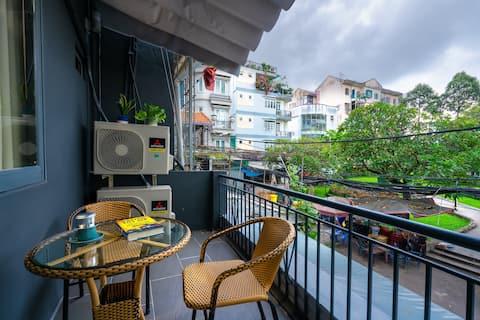 ❆ Cozy Home w/Balcony ❆ hidden in the ❤ of Saigon