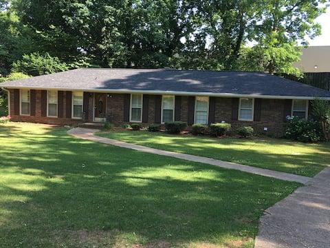 Lehigh Place-walk to everything -near Atlanta, GA