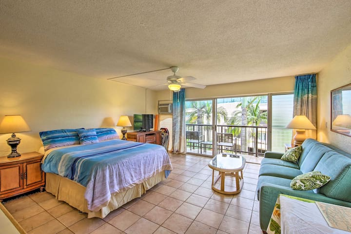 NEW! Breezy Kauai Studio w/Pool - Walk to Beach!