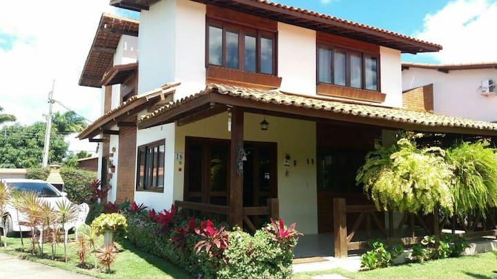 Excelente casa no condomínio Solar chermont