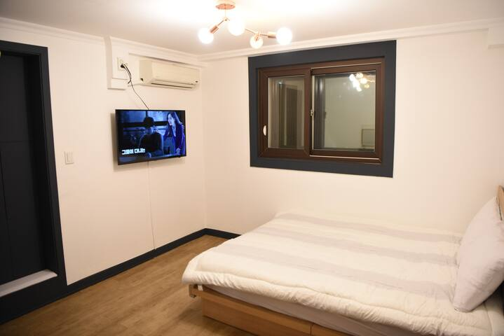505 #3minute to Myeongdong/double room/Cozy&Clean