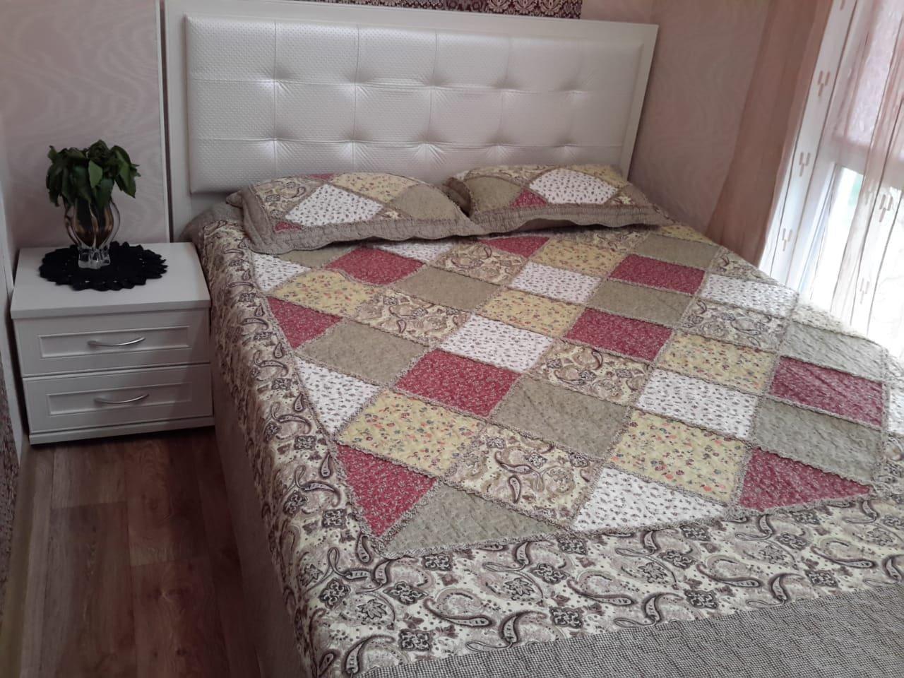 Спальня Двуспальная кровать