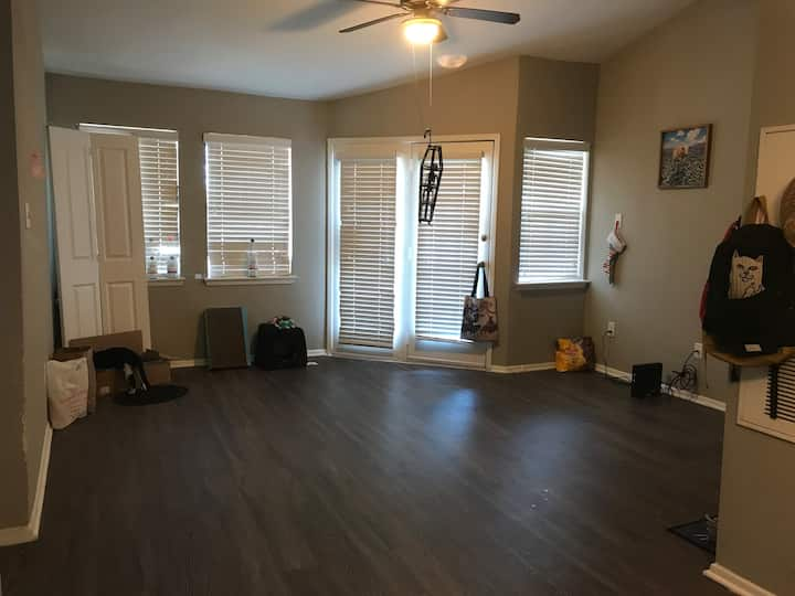 Chill 1 bed/1 bath apartment in SE