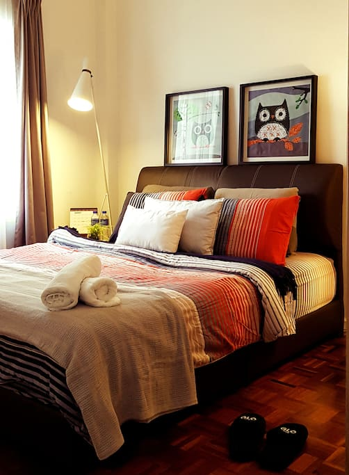Comfortable Bedroom - private & completed with air conditioned & wall fan.