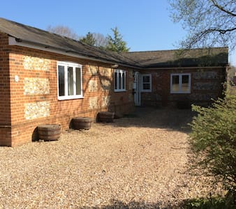Converted stables in Middle Wallop - Middle Wallop - Bungalow