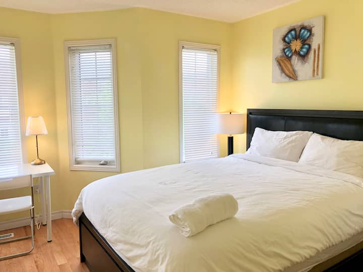 Affordable & lovely private bedrm in Richmond Hill