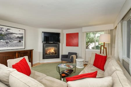 2 Bedroom 2 Bath Aspen Condo