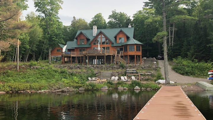 Luxury cabin near Lake Michigamme on private Lake