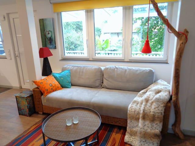 Wohnbereich und Schlafmöglichkeit 160x200cm