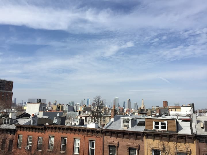 Sublet Furnished Room w/ A/C & W/D 5/20-8/31