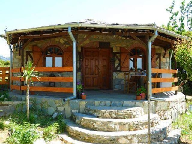 Mountain House Kastro