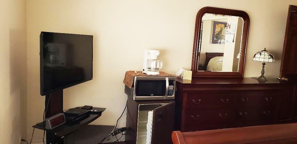 "Dresser/38"" TV/fridge/coffee maker"