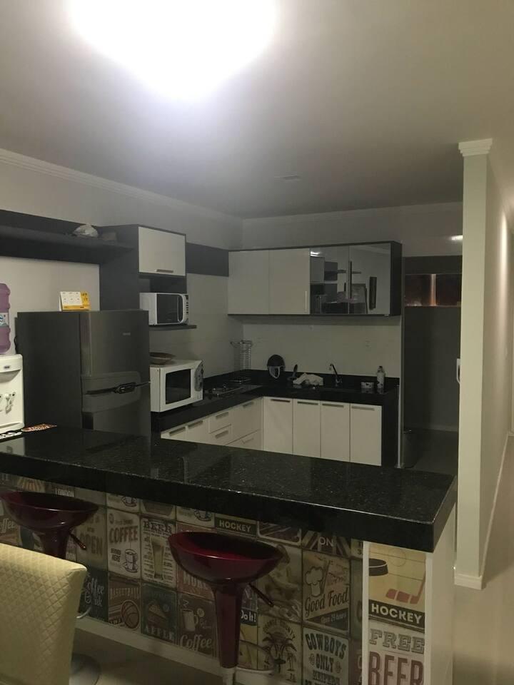 Apartamento mobiliado em Guriri com 3 quartos