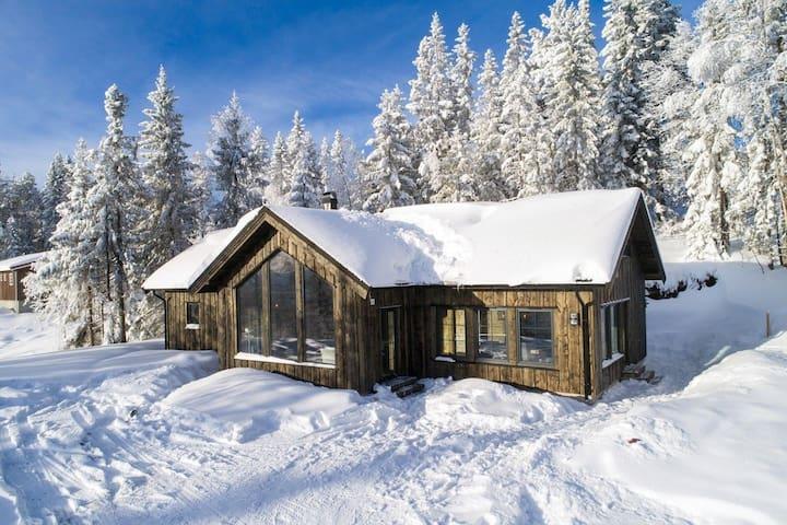 Flott familiehytte på Norefjell nær alpinanlegget