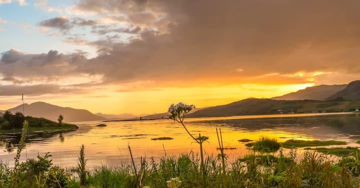 Lochside Lodge, Dornie, West Highlands, Scotland