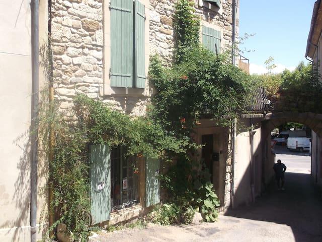 MAISON SAINT JEAN - Grignan - บ้าน