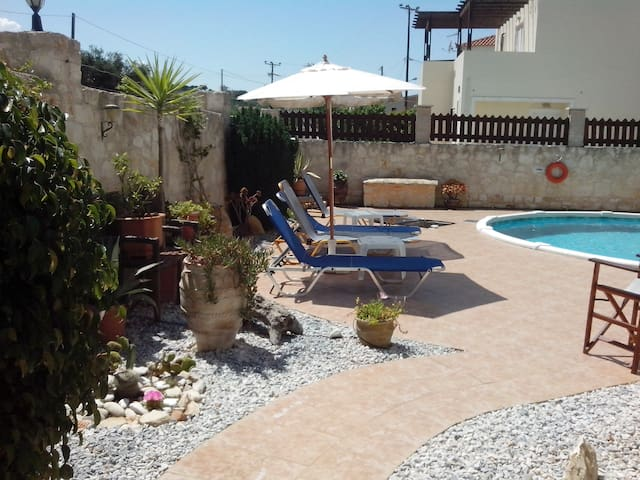 Detached Villa with private pool-3 min from beach - Almyrida - Vila