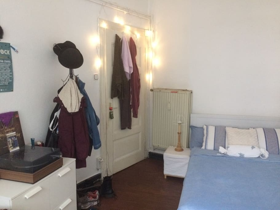 Mein Zimmer #3 (Sicht vom Fenster)