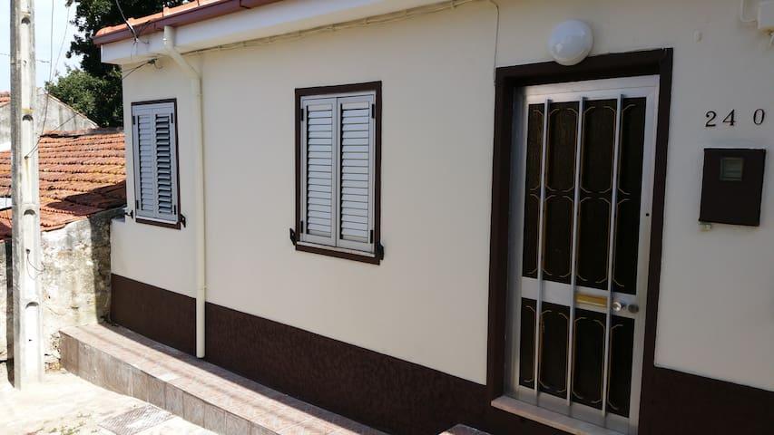 maison de ville pour vacances a porto - Valbom - Casa