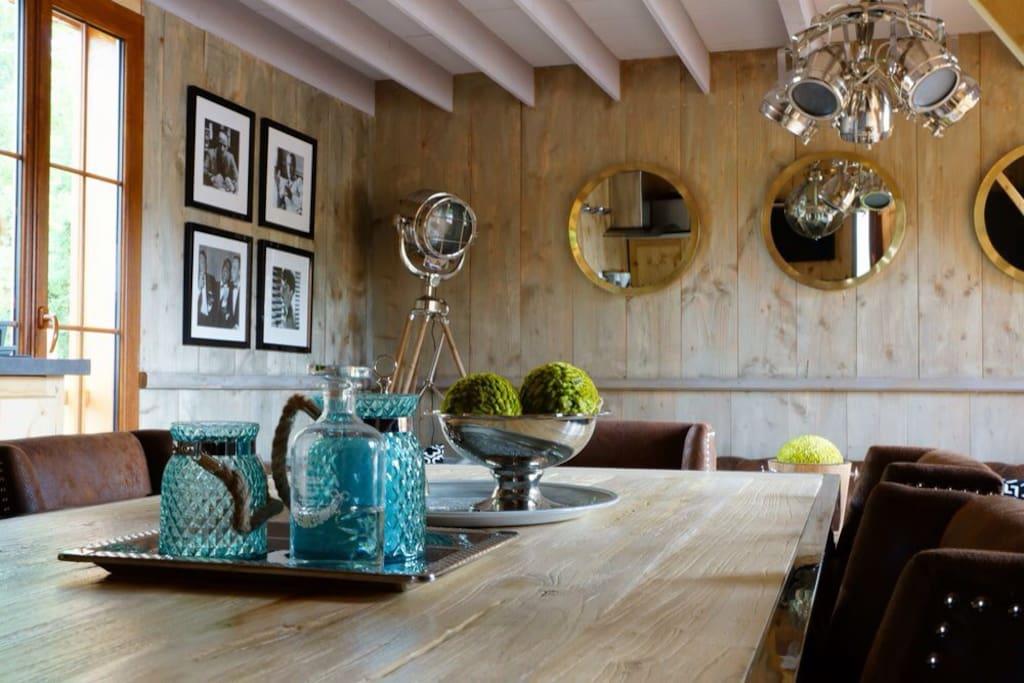 cabane flottante de luxe 10 pers cabins for rent in. Black Bedroom Furniture Sets. Home Design Ideas