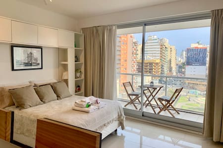 BRAND NEW STUDIO WITH CITY VIEWS, POOL, GYM & SUN