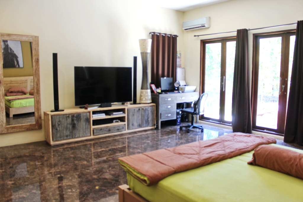 Master Bedroom 60sqm with 155cm TV DVD PS4