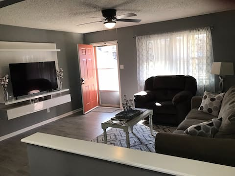 Twin City - Cozy Totally Remodeled 2 bed 1 bath