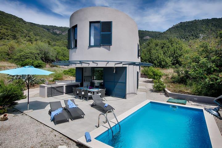 Pool Villa Periska
