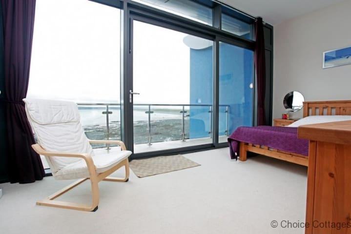 SEA VIEWS WESTWARD HO! HORIZON VIEW 30 | 2 Bedrooms.
