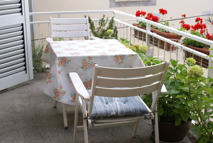 Double room with balcony 1/2** Marija M 2 - Krk - Casa