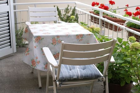 Double room with balcony 1/2** Marija M 2 - Krk - 独立屋