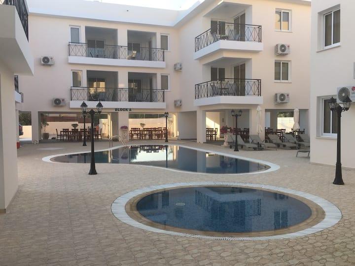 Flat 104 BA,new complex Carisia Livadia Gardens
