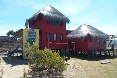 Cabaña Mono Verde Dos Plantas