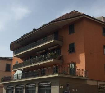 Appartamento luminoso con terrazzo - Orbetello - Wohnung