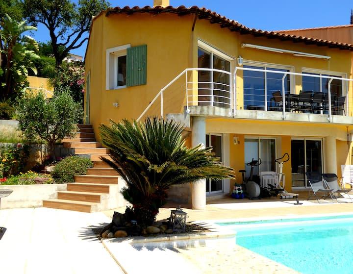 Maison 110 M² climatisée, vue mer, piscine privée