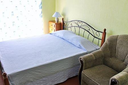 Гостевой дом в центре Геленджика - Gelendzhik - Bed & Breakfast