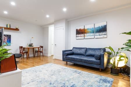 Modern 1-BR near Times Square and Hudson Yards!