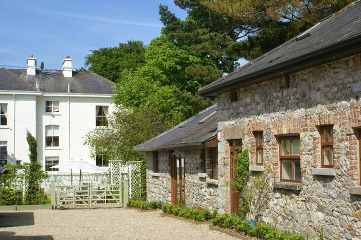 Cottages set in beautiful gardens by the sea