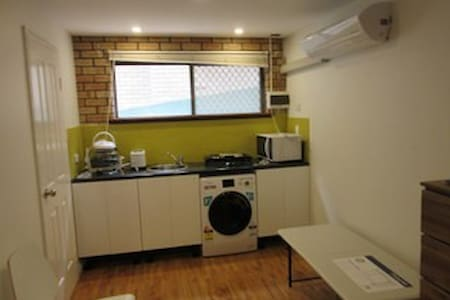 Lovely Self-Contained Suite - Dianella - Apartment