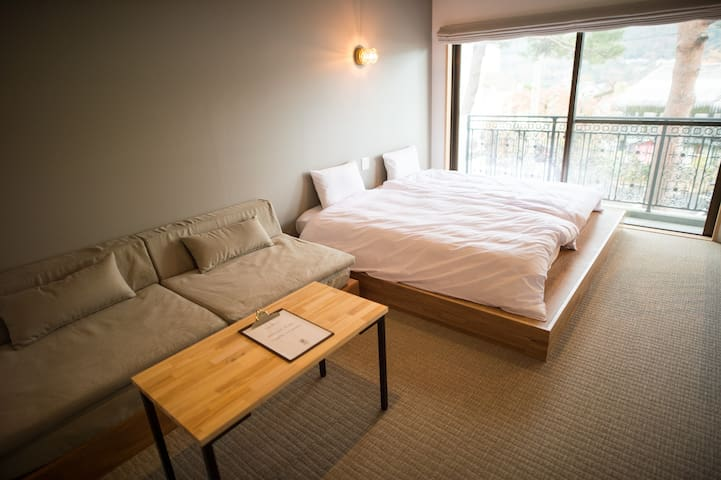 Comfy Triple Room, Hotel w/ Onsen, Bar, Good Vibes