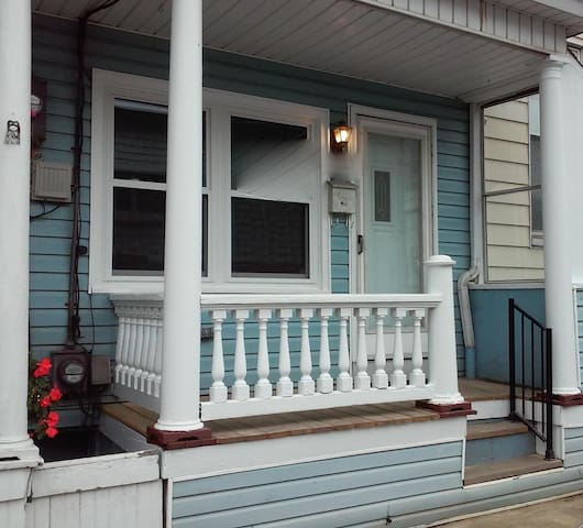 Charming mountain townhouse. Newly renovated - Mahanoy City - House
