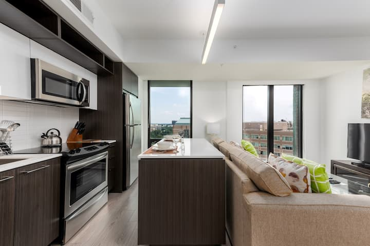 Magnificent 1BR | Full Kitchen | Laundry | Pool