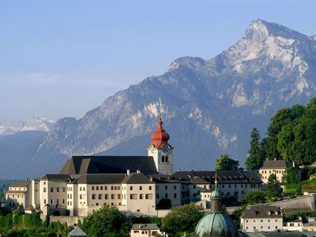 """The appartment is located at the foot of Sound of music abbey """"Stift Nonnberg""""."""