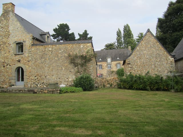 A 18th century country house, entirely renovated. - Plouër-sur-Rance - Ev