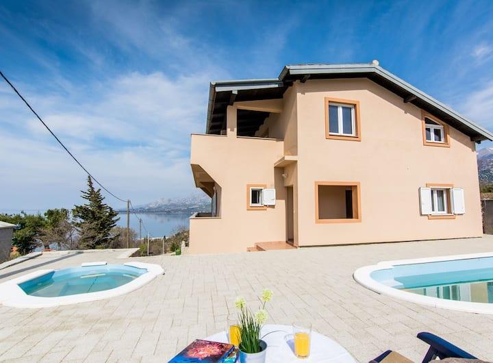 Villa SeaSunset- PRIVATE-pools/sea & mountain view