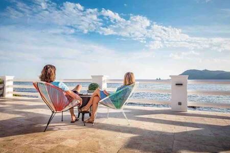 Villa Albatros exceptional on beach