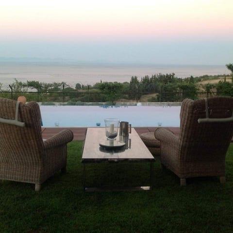 Elegant Sea View!! Villa in Methoni Pieria