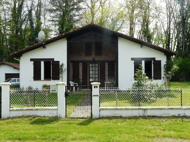 Maison landaise entre océan & forêt - Onesse-Laharie - Дом